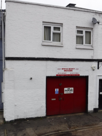 Garage with 2 Bed Flat